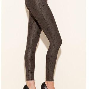 Pants - Guess Distressed Leggings
